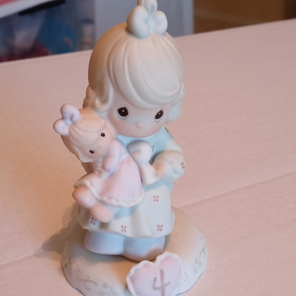 """Precious Moments """"Growing in Grace - Age 4"""" Figure"""